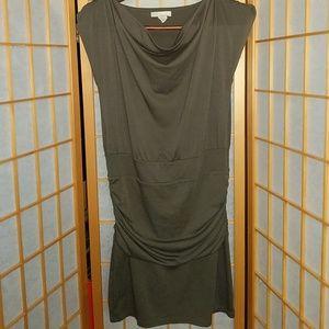 ⭐️ 5/$20 ⭐️ OLIVE Derek Heart Tunic/Dress